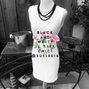 🌷🌷TRÈS CHIC Black and White!🌷🌷